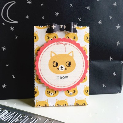 Kitty notelet holder