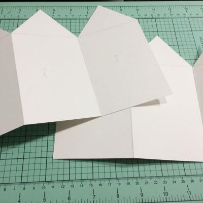concertina-card-base