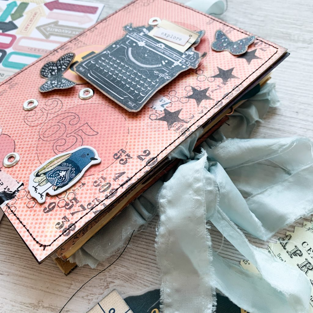 Junk Journal | Story Teller – Vicky Boutin | Morag Cutts